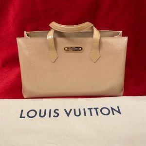 Authentic Louis Vuitton wilshire pm vernis Beige